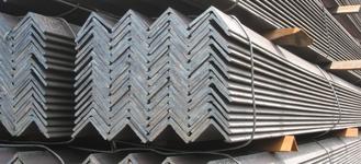 Уголок стальной нержавеющий горячекатаный равнополочный размером 20х20 мм и толщиной 3 мм из стали AISI 304 (08Х18Н10) длиной 6 м